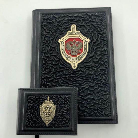 Подарочный комплект ручной работы (кожаные изделия) «Мужчина Black» бронзовая символика (возможна персонализация изделий)