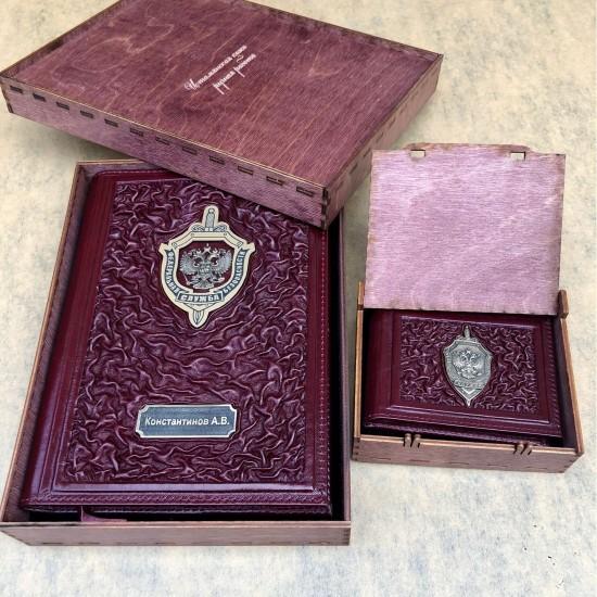 Подарочный комплект ручной работы (кожаные изделия) «Мужчина Vinous» бронзовая символика (возможна персонализация изделий)